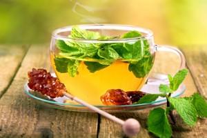 Kräuter-Minz-Tee